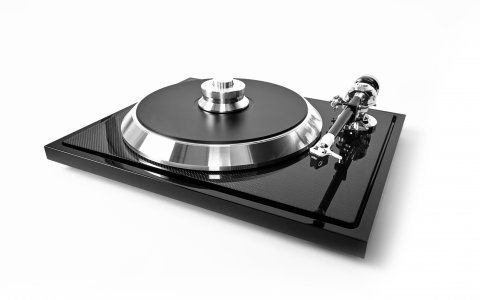 E.A.T C-Sharp turntable; Thanks to new materials like Carbon Fibre and Termoplastic Elastomer EAT was designing a new superflat table.