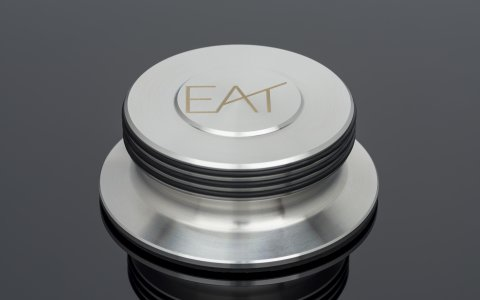 E.A.T. LP Clamp Massive; Elegant platter clamp for optimized sound tuning. It perfectly couples the record to the platter and absorbs vibration almost perfectly due to the extreme mass.