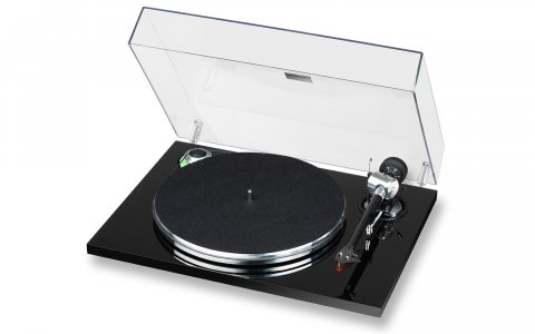 E.A.T. Prelude Turntable; High end turntable with timeless design. A genuinely affordable deck with neutral sound.
